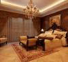 设计理念:作为主人的私密空间,要以功能性和实用舒适为考虑的重点,一般的卧室不做过多的造型,多用温馨柔软的成套布艺来装点,同时在软装和用色上非常统一。