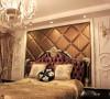 设计重点放在了古典奢华氛围的营造上,本案中大量运用天然石材造型也是对奢华氛围的诠释。
