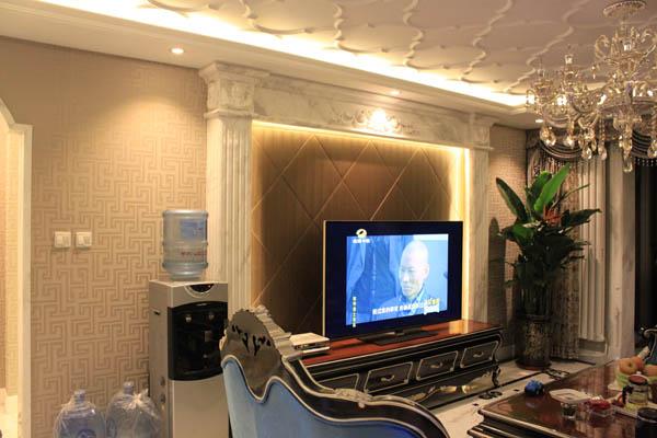 三居 新古典 珠江御景 白领 收纳 旧房改造 80后 小资 家居 客厅图片来自YI依帆2012在珠江御景欧式新古典风格案例赏析的分享
