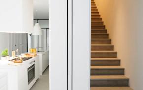 地中海 三居 80后 小资 楼梯图片来自刘建勋在蓝宝湾地中海风格的分享