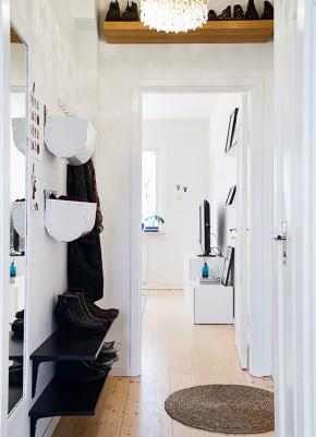 65平 北欧 一居 旧房改造 白领 80后 小资 布艺家纺 玄关图片来自居佳祥和装饰在65平北欧清新脱俗装修案例的分享