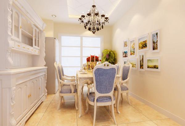 餐厅是家居生活的心脏,不仅要美观,更重要的实用性,整体性。餐厅的灯光很重要既不能太强又不能太弱,顶部做个性化的造型吊顶。整体空间以米黄色为主色调,在灯光的映衬下,温馨暖和的奶白色让人胃口大开。