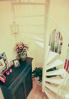 89平 跃层 地中海 收纳 旧房改造 小资 楼梯图片来自居佳祥和装饰在89平地中海风格装修案例的分享