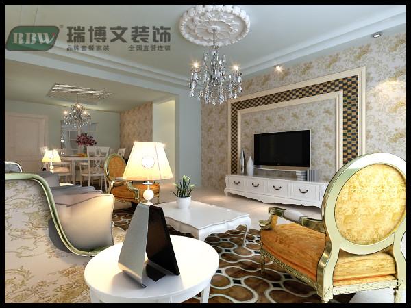 时尚的白色调沙发与装饰品的摆放,让整个客厅营造出时尚、高贵、轻松、愉悦的视觉感空间,没有任何的花哨装饰,