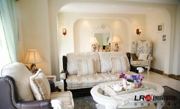 卧室的休闲角落,把每一个空间都充分的利用完美,是设计师的使命噢!