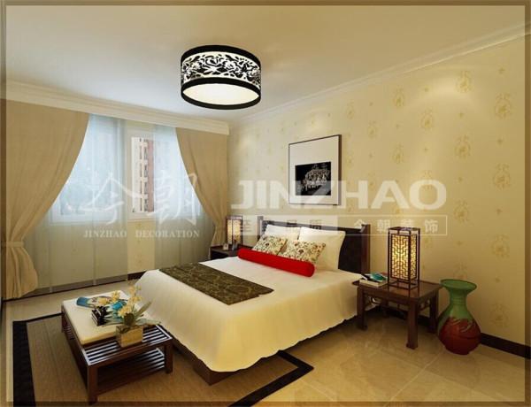 主卧:选材上也多些舒适、柔性、温馨简约的设计风格。