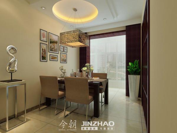 这次餐厅的设计运用了双层圆形吊顶,增加了空间的层次感。