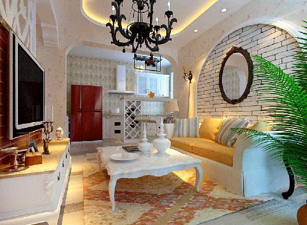整个家居的搭配都能看出设计师的心意,茶几下的地毯花色和厨房背景墙的马赛克小砖,配合起来,屋内非常有生气,而且也能显示业主的品味。