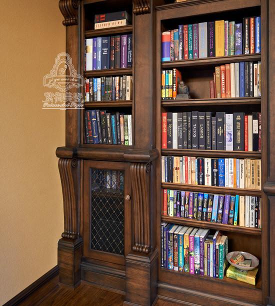 紫御美墅实木定制书柜侧边
