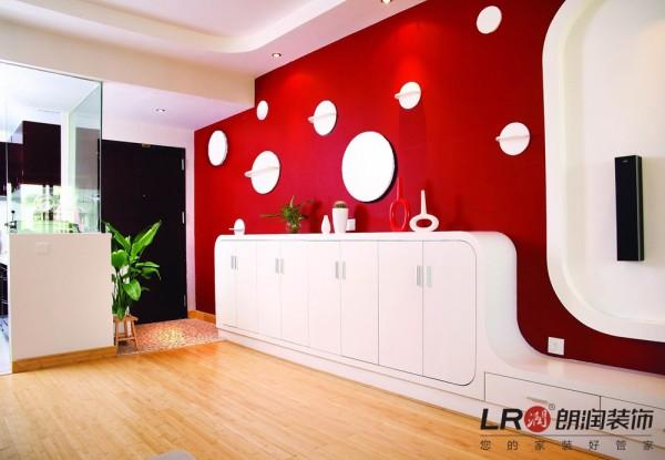 客厅入户耀眼的造型色调的搭配,大胆而不突兀,另一种居家的格调生活!