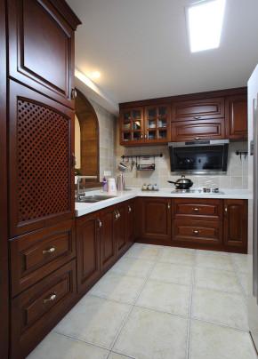 美式 温馨 舒适 3居 80后 小资 厨房图片来自成都生活家装饰在132平温馨舒适美式3居室的分享