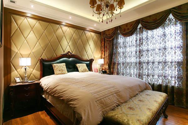 主卧:卧室背景的色调、家具与客厅相融合,彼此相互呼应,色调统一。