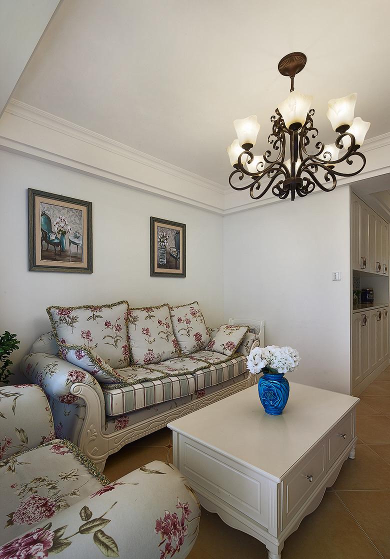 客厅图片来自家装大管家在温馨浪漫情怀 91平田园风情两居的分享