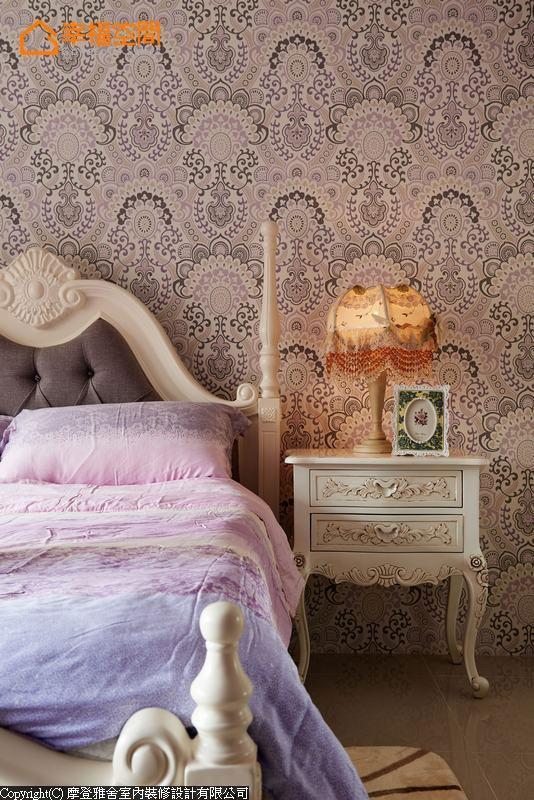 田园 四居 别墅 卧室图片来自幸福空间在多彩缤纷 为家人打造舒心乐园的分享