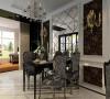 餐厅的镜面提升了整个空间的效果。简洁和实用的后现代风格的基本特点。加上传统的欧式风格让人感觉舒适和恬静,适度的装饰是家居不缺乏时代气息,使人在在空间得到精神和身体的放松放肆。