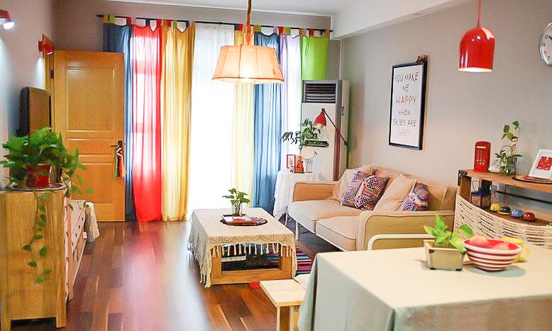 94㎡装修 混搭风格 实用收纳 原木家具 环保材料 布艺家纺 旧房改造 客厅图片来自居佳祥和装饰在北欧宜家94㎡混搭清新装修的分享