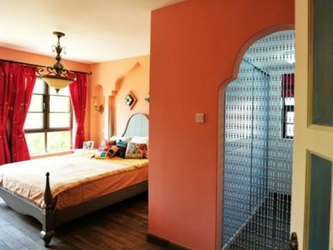 二居 北京兆丰园 80后 地中海 卧室图片来自今朝装饰老房装修通王在3.9万打造富有卡通的地中海风格的分享