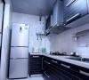 厨房一白色为主,干净易清洁