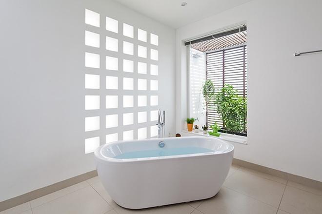 卫生间图片来自刘成成在田园复式 • 自然风公寓的分享