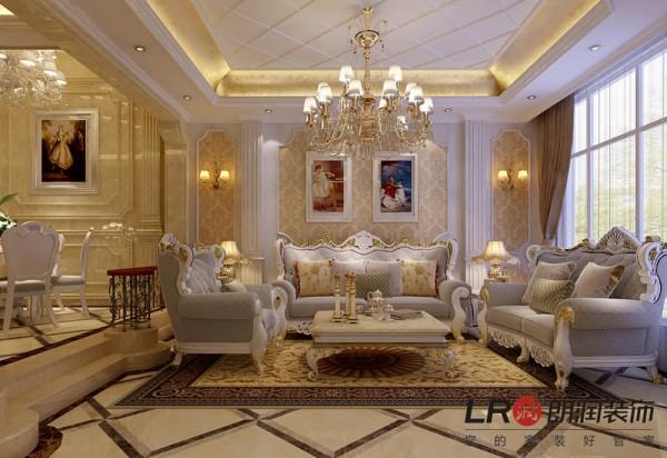 客厅沙发背景正面图.家居饰品与造型以及色调的完美搭配,欧式的奢华大气高雅尽显!
