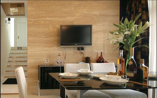 简约风格的餐桌和餐具,营造着家居生活的轻松惬意。一抹翠绿,洋溢着沁人的生机。