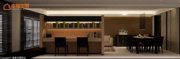 结合电视背墙的书桌,拥有双人、大尺度的使用空间;坚固的书架层板更能放置收藏的书籍。 (此为3D合成示意图)