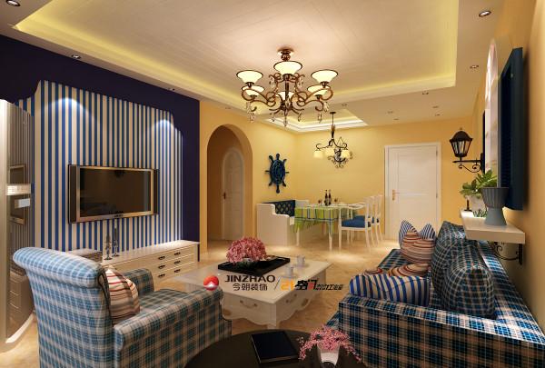 格子的沙发、沙发背景墙百叶装马蹄窗,丰富空间色彩同时更增添了蓝色大海、白色沙滩、阳光下簇拥开放花朵的自然气息。