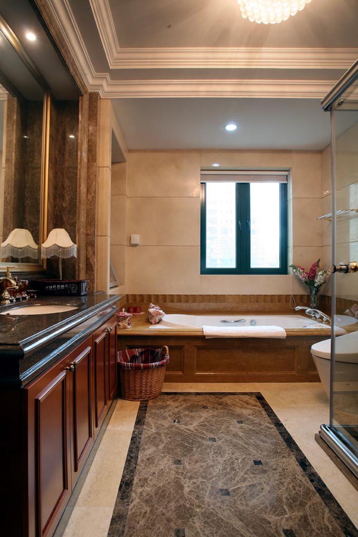 欧式 三居 白领 小资 温馨 舒适 浓浓韵味 卫生间图片来自成都生活家装饰在158平浓浓欧式韵味3居室的分享