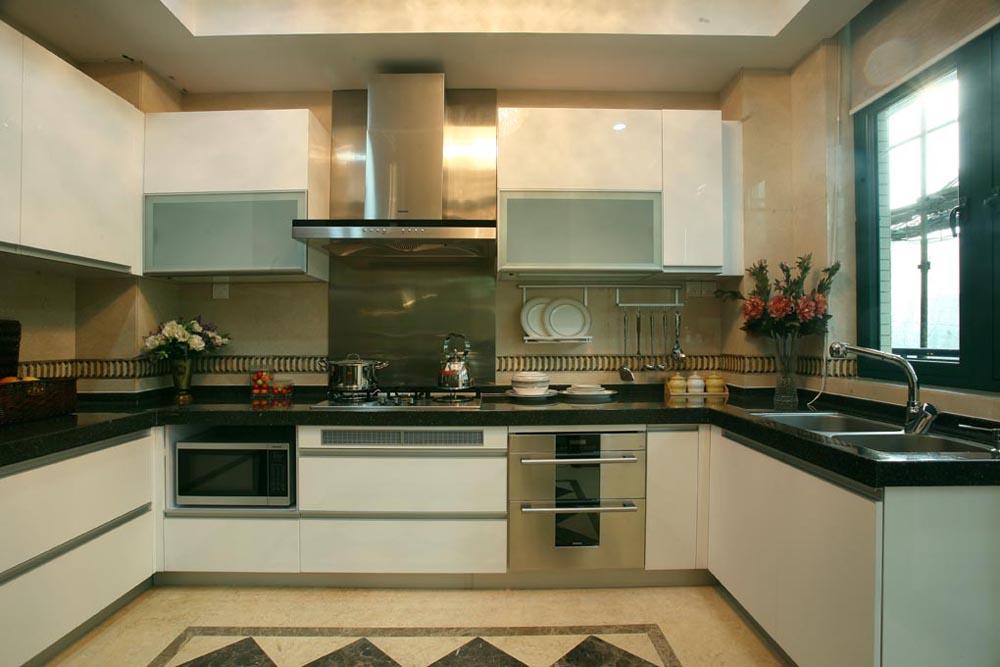 欧式 三居 白领 小资 温馨 舒适 浓浓韵味 厨房图片来自成都生活家装饰在158平浓浓欧式韵味3居室的分享