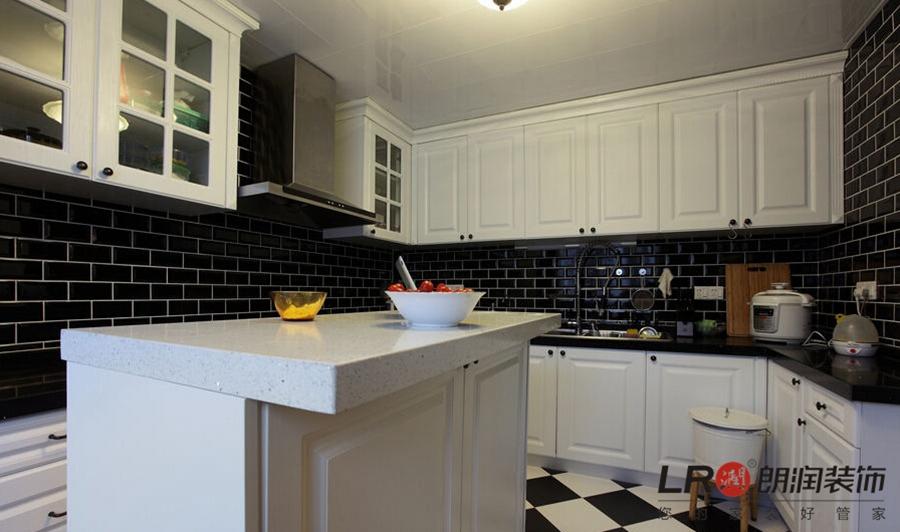 简约 欧式 二居 白领 收纳 80后 小资 舒适 厨房图片来自朗润装饰工程有限公司在龙光天悦龙庭87平舒适简欧二居的分享