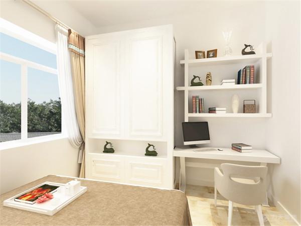 主卧室采用浅蓝色的壁纸,配上白色的衣柜整体看起来舒适清新。
