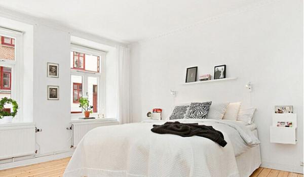 纯白的居室,简单的装饰,很清雅的节奏。