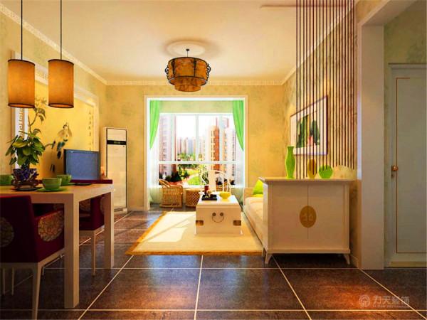 餐椅的紫红色座椅和线帘颜色遥相呼应色彩动线流畅,客厅地面采用亚光深灰地砖,使空间显得稳重内敛,墙体采用花纹浅黄色壁纸,突显中式的韵味