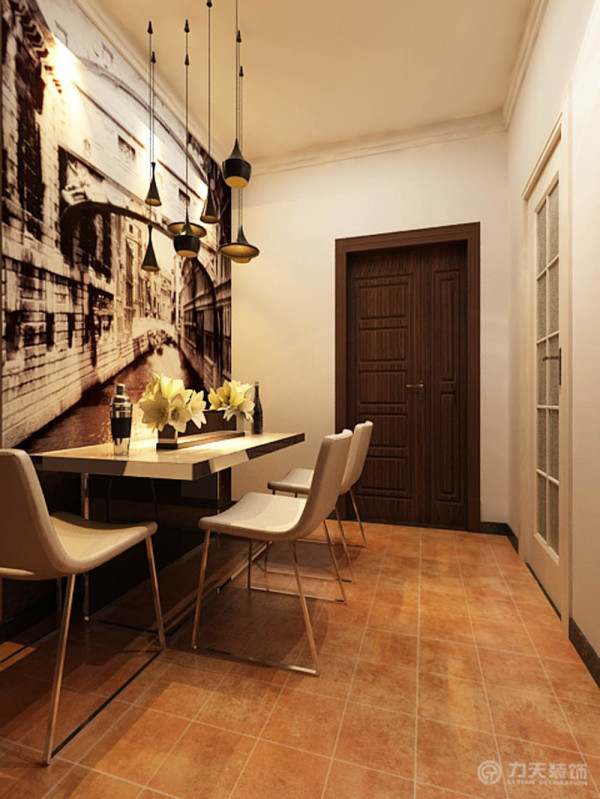 先从入户餐厅的位置说起,因为空间有限,所以选择的是三人的餐桌椅,没有吊顶的造型,都是采用的石膏线做的装饰。餐厅的背景墙是贴了正面前的画,有几个简单的吊顶。