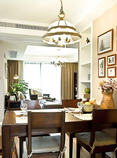137㎡装修 三居 美式风格 装修设计 原木家具 环保材料 实用收纳 布艺家纺 餐厅图片来自居佳祥和装饰在都市恬淡136㎡温馨美式装修的分享
