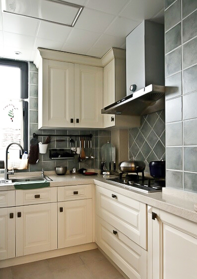 137㎡装修 三居 美式风格 装修设计 原木家具 环保材料 实用收纳 布艺家纺 厨房图片来自居佳祥和装饰在都市恬淡136㎡温馨美式装修的分享