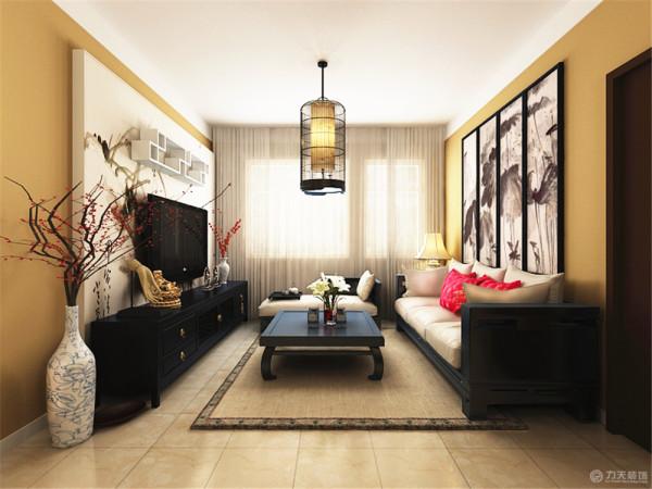 。整体造型简朴优美,在装饰细节上崇尚自然情趣,传统的字画,瓷器、梅花、地毯以及灯饰,追求一种修身养性的生活境界。