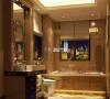 金光闪闪的卫生间是不是富态十足,镶有金边的镜框,奢华的顶级设计,难道不是一次世界级的假日酒店之旅吗?