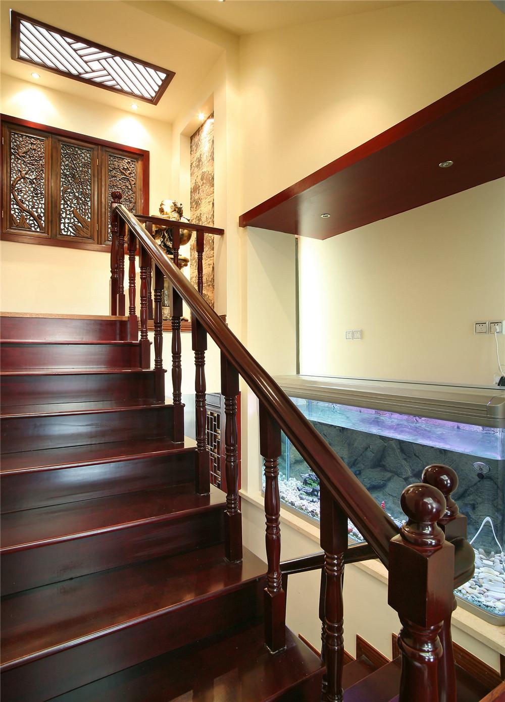 旧房改造 中式风格 四居 小资 楼梯图片来自装饰装修-18818806853在珠江新城中海花地-中式风格的分享