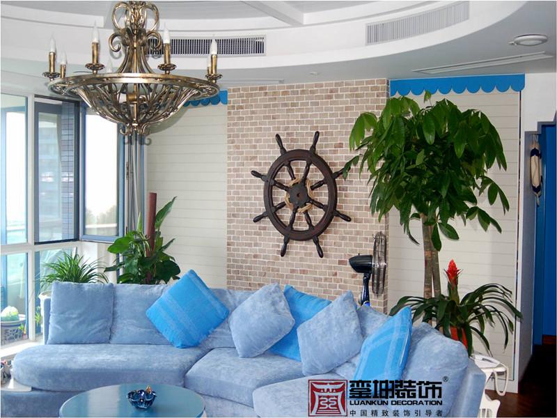 三居 收纳 小资 地中海 客厅图片来自銮坤装饰设计在金都汉宫---地中海风的分享