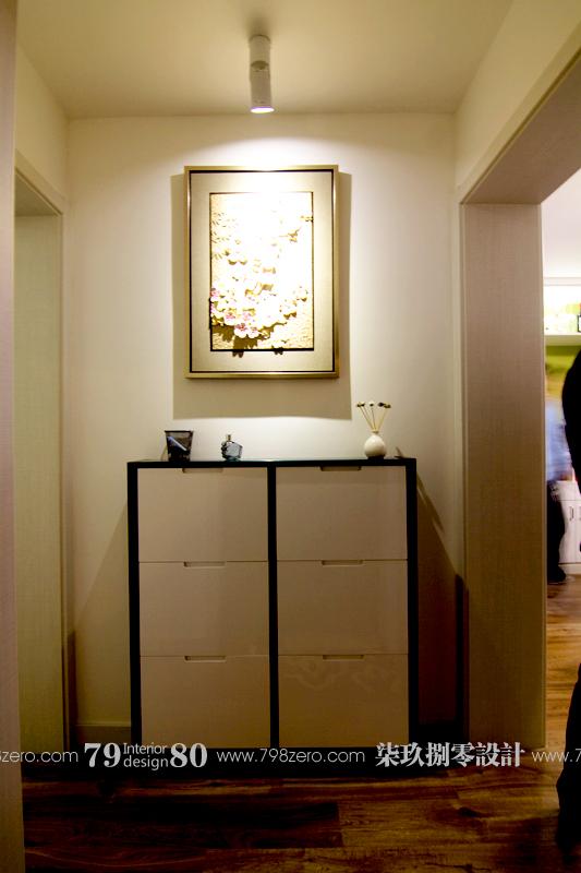 简约 二居 旧房改造 七九八零 80后 玄关图片来自七九八零设计工作室在时尚简约风 之七九八零旧房改造的分享