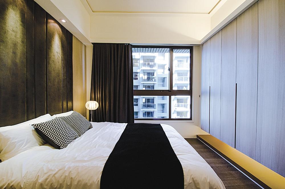 卧室图片来自武汉顶创装饰有限公司在金地雄楚一号的分享