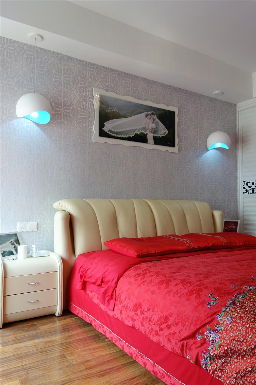 简约 白领 80后 三居 卧室图片来自长沙金煌装饰在现代时尚高端品质家居的分享