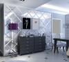此次设计方案为现代简约风格。整体以高贵的黑白色为主色调,营造一种低调的奢华和时尚感。