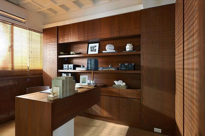 书房图片来自家装大管家在流线造型 141平现代素雅3居的分享