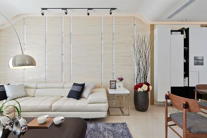 客厅图片来自家装大管家在流线造型 141平现代素雅3居的分享
