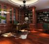 沉重稳重,书房采用了暗色的书柜以及家具设计,更容易让人静下心来工作。