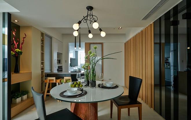 餐厅图片来自家装大管家在光感加分 超有味132平老宅的分享