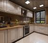 白色的橱柜给生活带来了更多的纯净,平滑的灶台让做饭也成为了一种生活的享受,家的温暖油然而生。