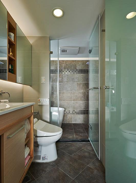 卫生间图片来自家装大管家在光感加分 超有味132平老宅的分享